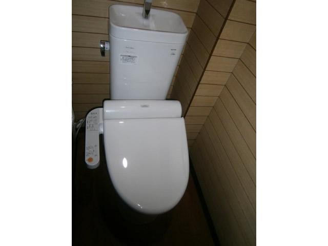 名古屋市 熱田区 トイレ取替工事、押入修繕工事
