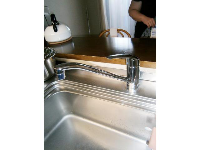 台所水栓交換工事