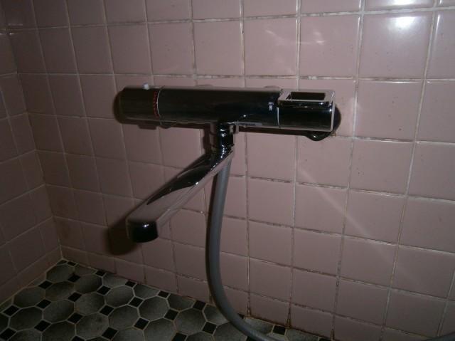 稲沢市 浴室水栓取替工事