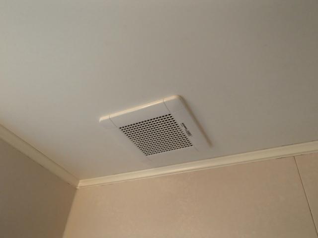 刈谷市 浴室換気扇取替工事
