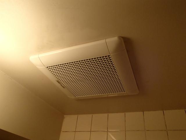 安城市 浴室換気扇取替工事