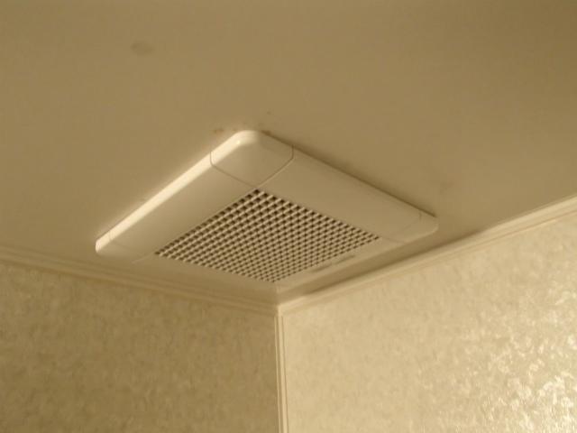尾張旭市 浴室換気扇取替工事