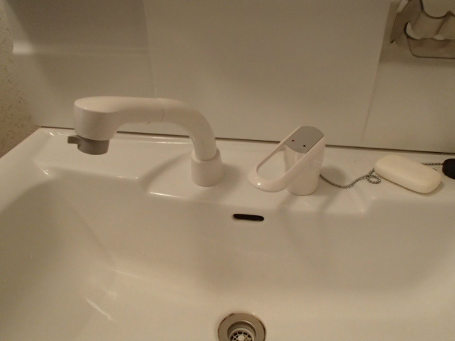 洗面水栓取替工事