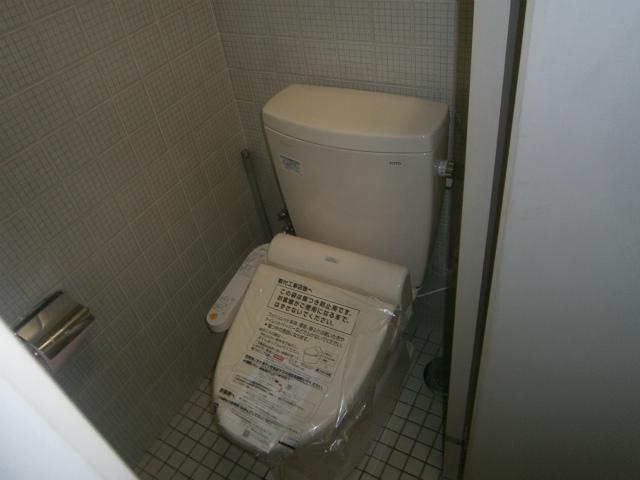 名古屋の中心で洋式トイレ取替 (名古屋市中区)