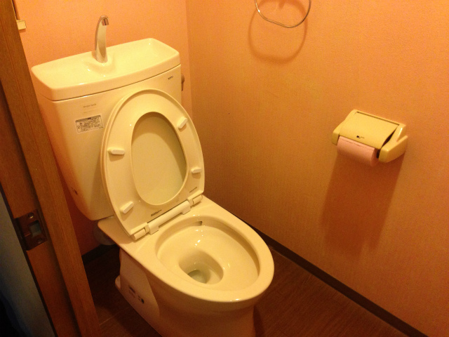 トイレ取替 TOTO ピュアレストQR+普通便座セット 名古屋市中川区