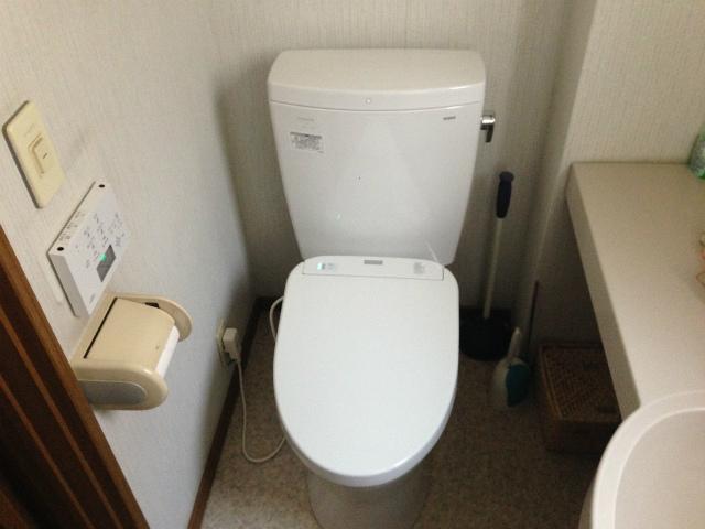 TOTO ピュアレストQR+アプリコットF1A トイレ取替工事(桑名市)